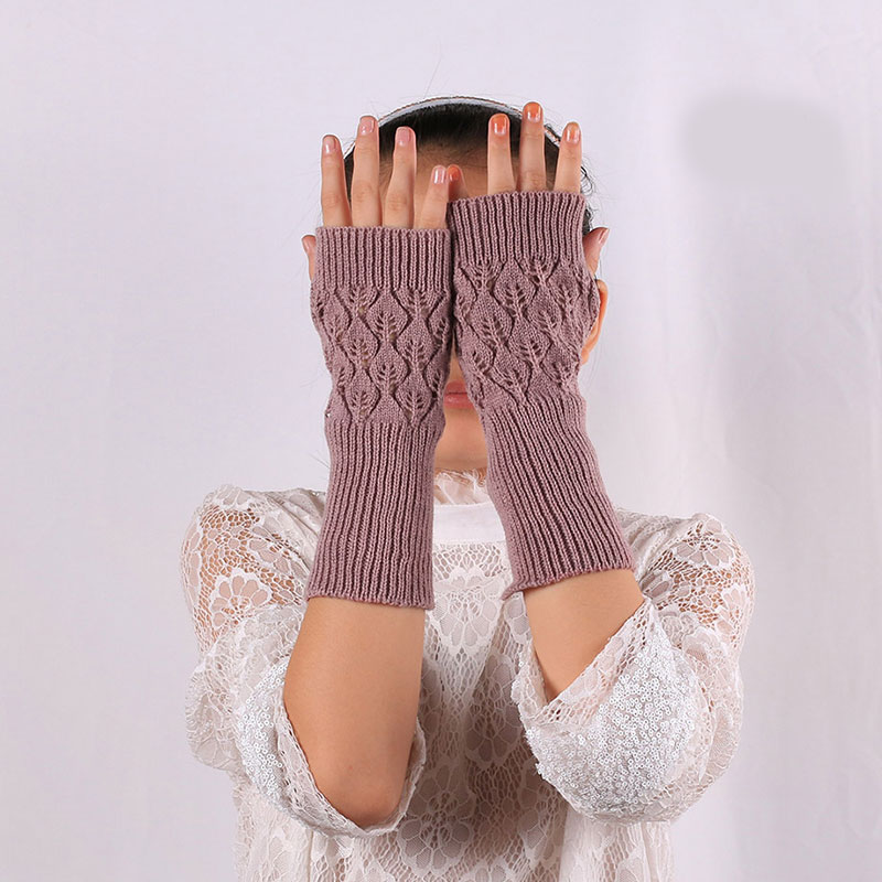 New Autumn Winter Women Hollow Gloves Lengthen Sleeve Mittens Hollow Leaf Arm Warmers Fingerless Gloves Solid Elegant Arm Sleeve