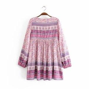Image 2 - Винтажное шикарное женское розовое платье с цветочным принтом, длинным рукавом, бахромой и оборками, Пляжное богемное мини платье, женское свободное платье бохо из вискозы с V образным вырезом