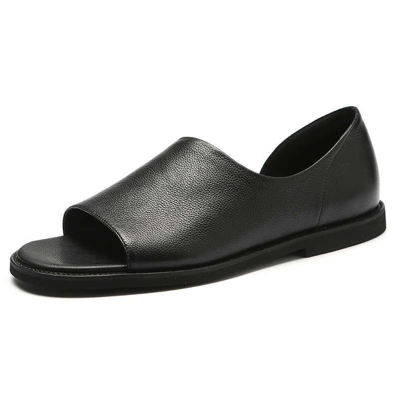 Nowe letnie męskie sandały miękkie skórzane sandały oddychające antypoślizgowe buty na plażę męskie kapcie Zapatos Hombre męskie sandały plażowe