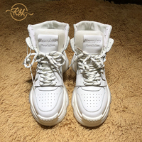 Comparar https://ae01.alicdn.com/kf/Hc8731553c1e8437b8cfdd99681a7d25dt/Zapatillas de deporte de cuero genuino RY RELAA para mujer zapatos altos para mujer zapatos deportivos.jpg
