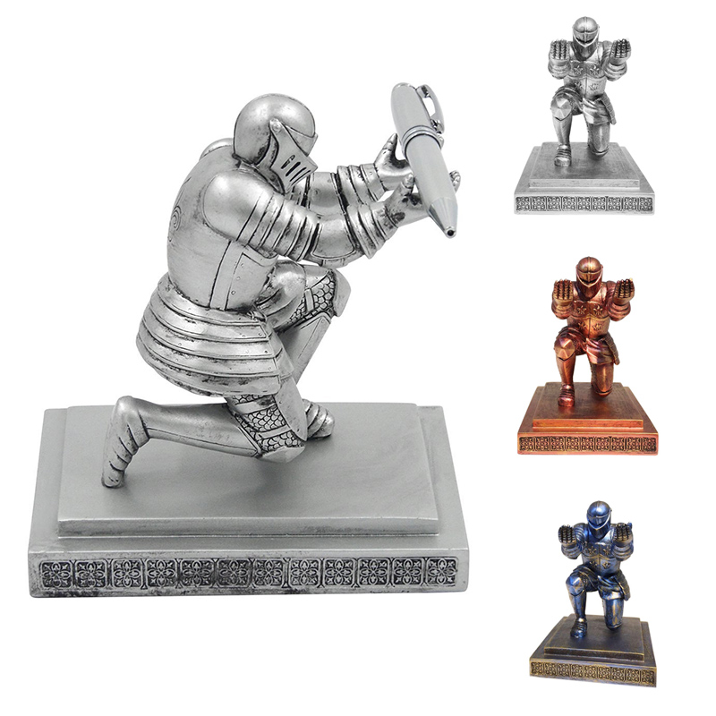 Creative Resin Soldier Executive Knight Shaped Pen Holder Fashion Personalized Desktop Accessories Decorative Pen Stand