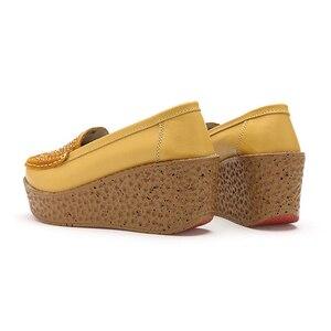 Image 5 - Beyarne outono sapatos femininos de couro de camurça leve sapatos casuais mocassins sola grossa aumento cunha sapatos de balanço zapatos