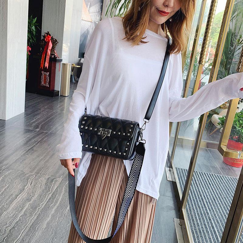 Korean Version of The Broadband Rivet Embroidery Line Shoulder Bag Versatile Texture Messenger Bag 2019 New Women Handbags in Shoulder Bags from Luggage Bags