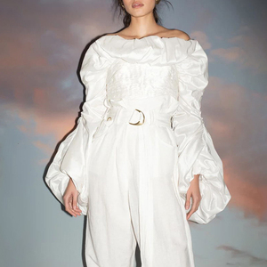 Image 2 - TWOTWINSTYLE dantelli Ruffles bluzlar bayan Slash boyun fener uzun kollu ince kısa gömlek kadın moda giyim 2020 gelgit