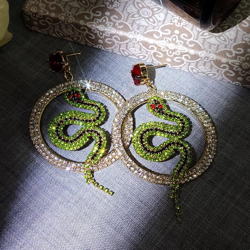 JUST FEEL Luxury Green Crystal Snake Earrings For Women Round Hollow Shiny Rhinestone Dangle Drop Earring Party Fashion Jewelry