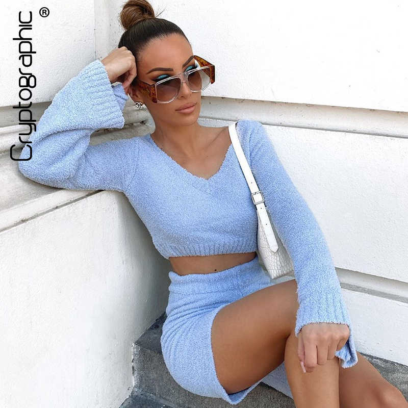 Kryptographische Pelz Zwei Stück Set Outfits Sexy Backless Flare Hülse Tops Outfits Mode Passenden Sets Top und Hohe Taille Shorts