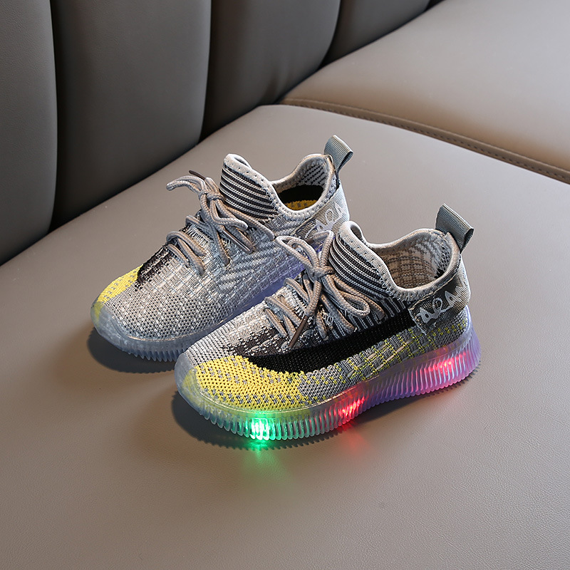 2020 New Luminous Sneakers Mesh Breathable Baskets Led Shoes With Light Up Sole Girls Glowing Kids Enfant LED Slippers Girl