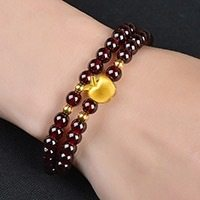 Two circles of Garnet Bracelet and 6 mm Rose ferret bracelet with apple beads.(China)
