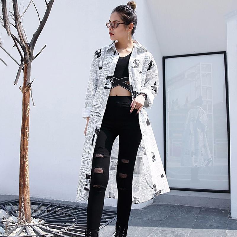 [EAM] 2021new Spring Autumn  Lapel Long Sleeve White Printed Loose Irregular Big Size Long Shirt Women Blouse Fashion Tide JF008