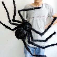 купить 2019 New Super Big Plush Horrible Spider Black Furry Fake Spider Tricky Toy For Creep Trick Treat Halloween Decoration дешево