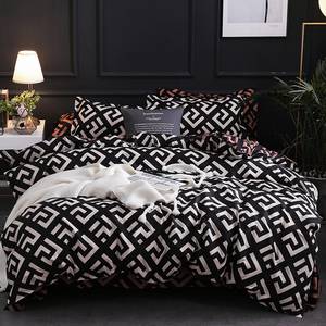 Luxury Black Bedding Set Queen King SIngle Full Size Polyester Bed Linen Duvet Cover Set Modern Bird Plaid Anime With Pillowcase