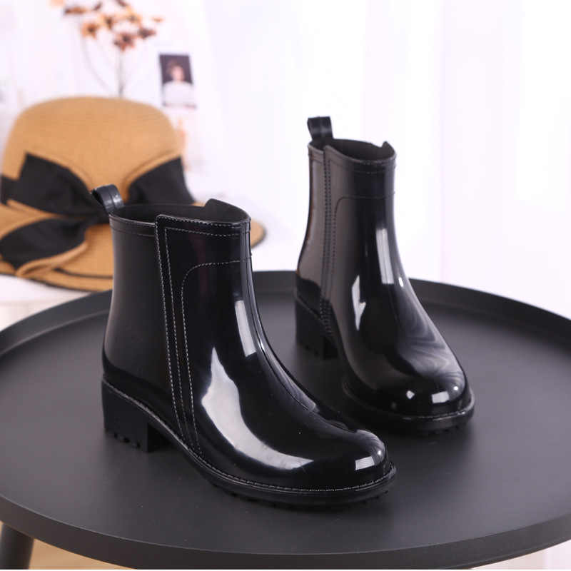 Regen Stiefel Wasserdichte Schuhe Frau Wasser Gummi Lace Up Martin Stiefel Sewing Solid Flache mit Schuhe Stiefel Frauen 2019