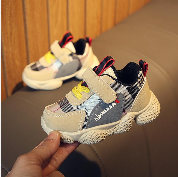 2019 nuevos zapatos de otoño para niños zapatillas Unisex para niñas zapatos deportivos de cuero Pu para niños PU cuero bebé mocasines sandalias para bebé ahuecar hacia fuera zapatos de bebé Chaussure recién nacido con cordones sandalias de bebé niñas