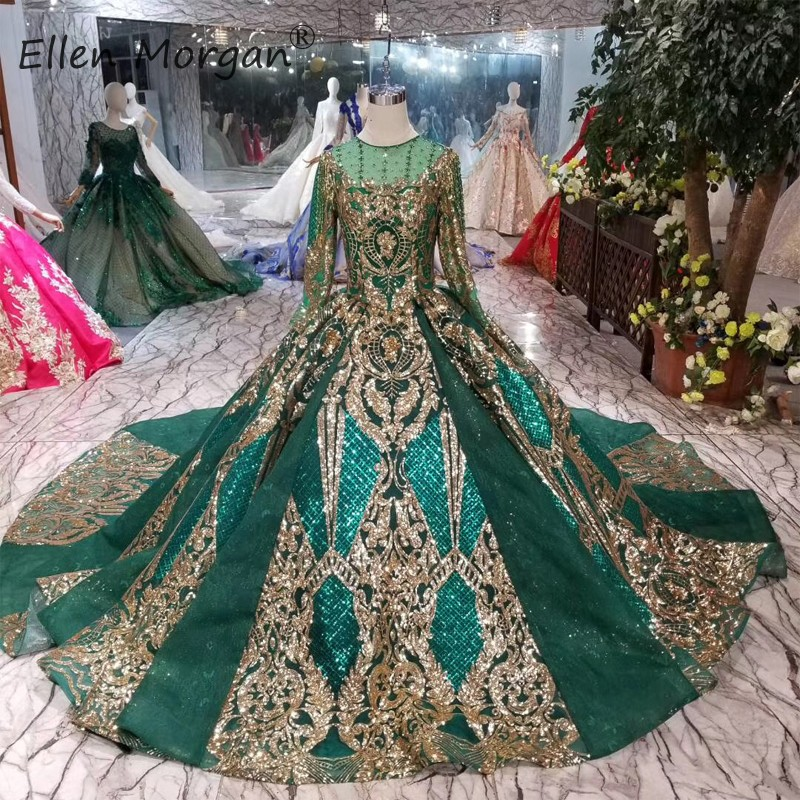 Saudi Arabian Dark Green Wedding Dresses Muslim Vinateg 2019 Long Sleeves Bost Neck Beads Lace Court Train Bride Ball Gowns