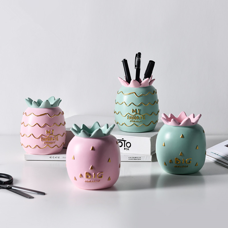 1pc Cute Pineapple Resin Pen Holder Desk Organizer Pencil  Pot For Girl Gift Makeup Brush Storage Box Office Desktop Decorations