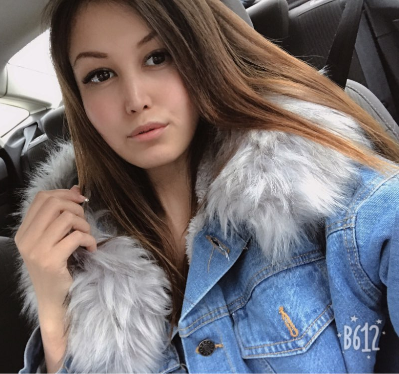 Hc9222f6704d440de8d1f9b134f074af2l Elexs velvet thick denim jacket female winter big fur collar Korean locomotive lamb coat female student short coat 72510