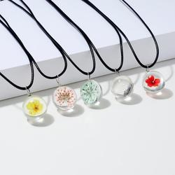 Handmade Transparent Glass Dried Flower Necklaces Peach Blossom Dandelion Gypsophila Four-leaf Clover Pendant Necklaces Jewelry