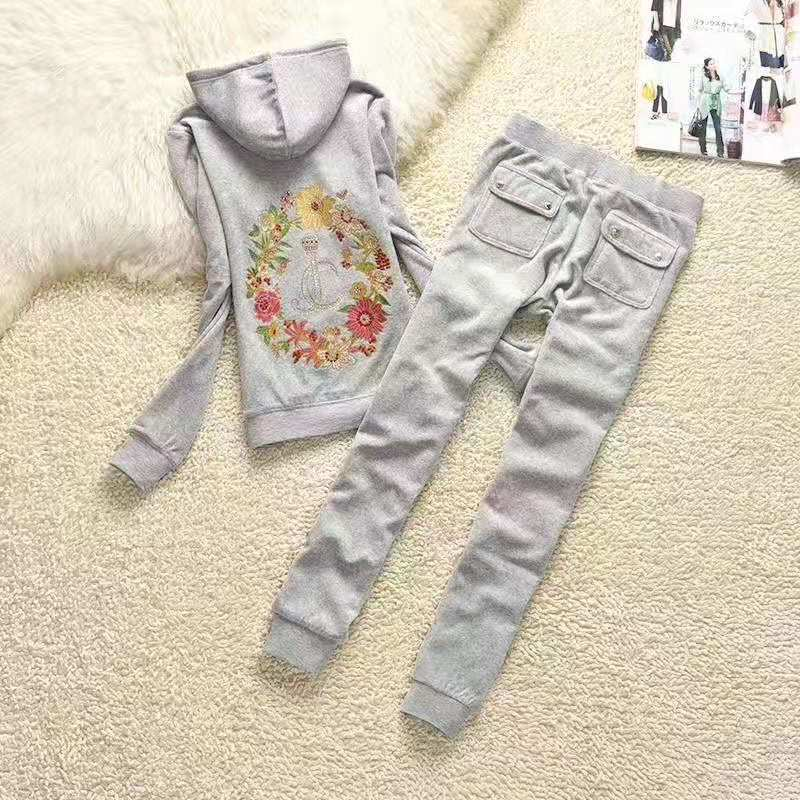 New Spring / Fall 2020 Women'S Brand Velvet Fabric Tracksuits Velour Suit Women Track Suit Hoodies And Pants Size S - XL