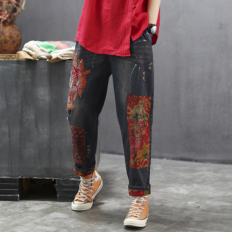 Women Spring And Autumn Fashion Brand China Red Style Peking Opera Flower Embroidery Hole Jeans Female Casual Jeans Denim Pants