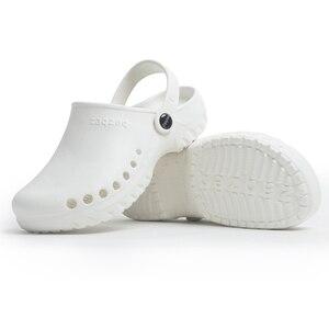 Image 4 - Yeni tıbbi ayakkabı kaymaz cerrahi Sandal ayakkabı hastane ameliyat odası su geçirmez doktor terlik uzman çalışma terlik