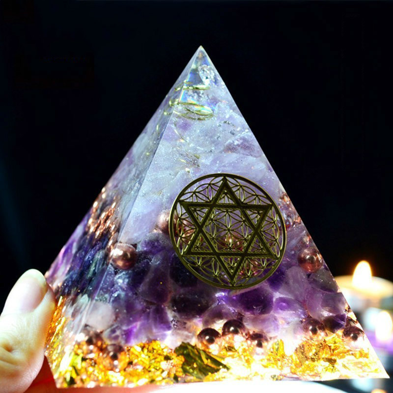 Orgonite Pyramid Amethyst Sahasrara Chakra Jeremiel Natural White Crystal To Improve Mood Resin Pyramid Crafts C0146