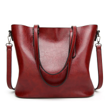 цена на Oilskin tote bag is a fashionable and simple bag in Europe and America