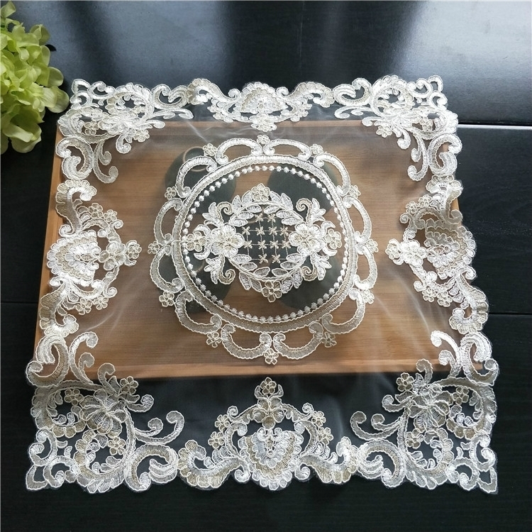 European Luxury Mesh Embroidery Restaurant Kitchen Placemat Napkins Coffee Table Mat Small Furniture Dust Cloth Fruit Coaster