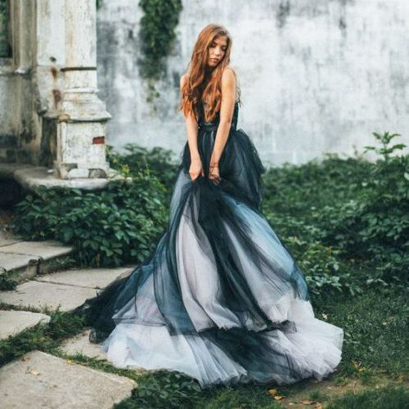 Vintage Gothic Black And White Ball Gown Wedding Dresses Sexy Sleeveless Backless Bridal Gowns Custom Size Bohemian Wedding Gown