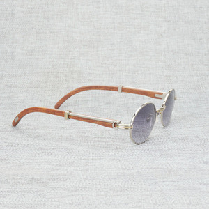 Image 4 - Vintage White Black Buffalo Horn Sunglasses Men Round Natura Wood Eyewear for Woemn Outdoor Clear Glasses Frame Oculos Shades