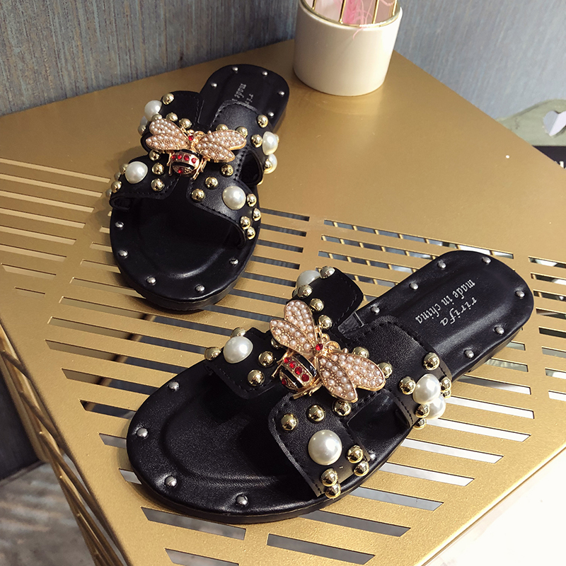 Women Sandals Flat Fashion Slip On H Studded Pearl Women Slides Sandals Street Korea Metal Bee Decoration Female Sandals