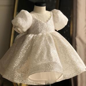 Image 1 - Beyaz pullu kız elbise vaftiz elbise bebek için zarif parti kız elbise büyük yay tutu prenses düğün kız bebek elbise