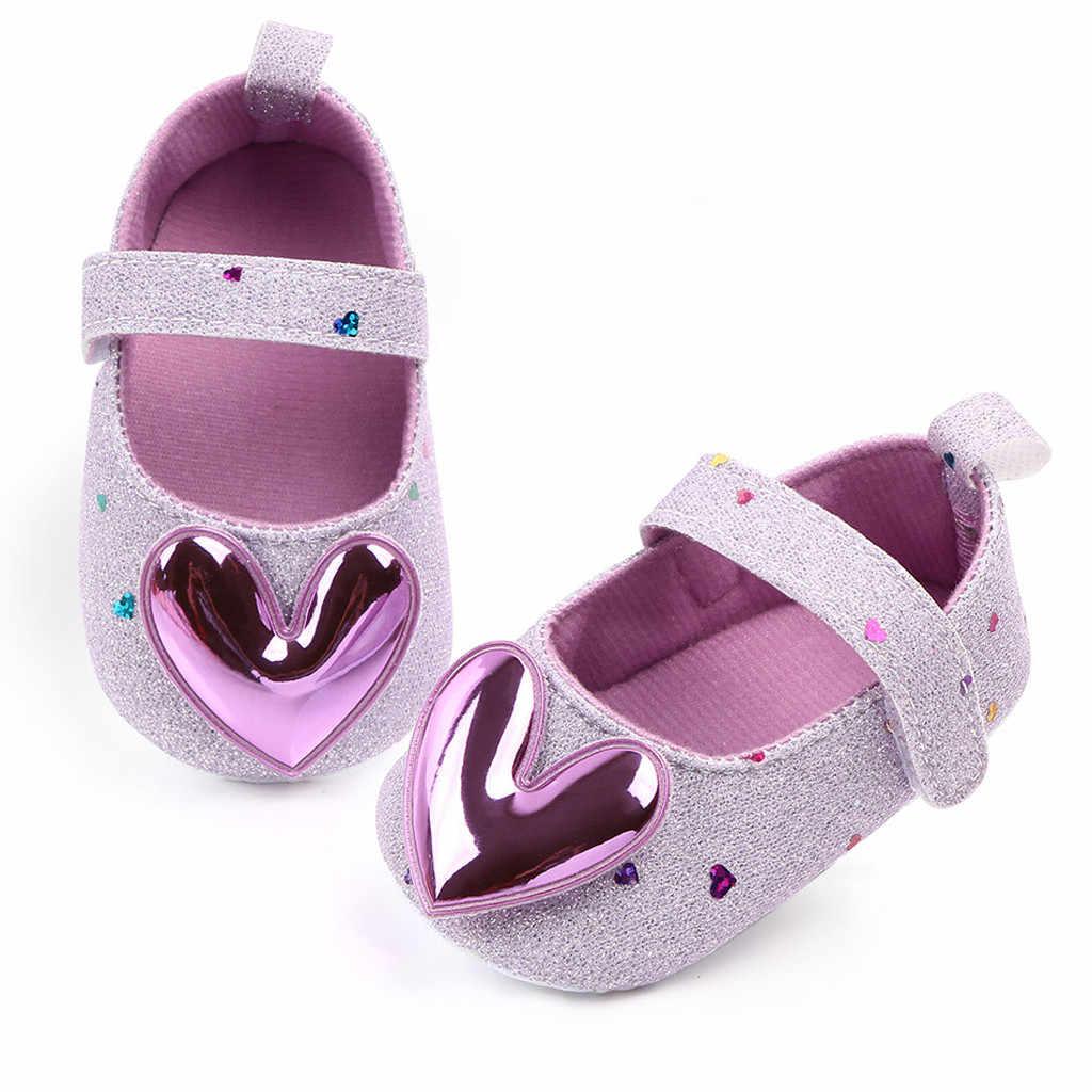 Zapatos de bebé recién nacido princesa bebé recién nacido zapatos de bebé lindo corazón estampado bebé niña botines 2019 primeros caminantes