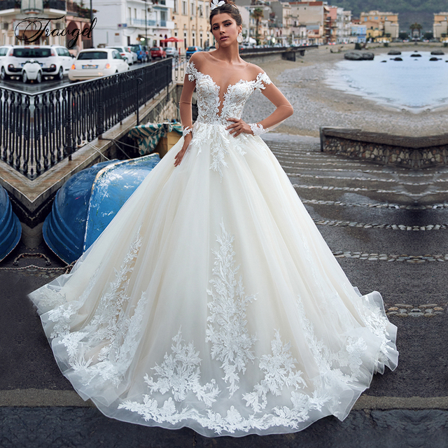 Traugel الوهم سكوب خط الدانتيل فساتين الزفاف زين كم طويل زر فستان عروس ذيل شابيل فستان زفاف حجم كبير