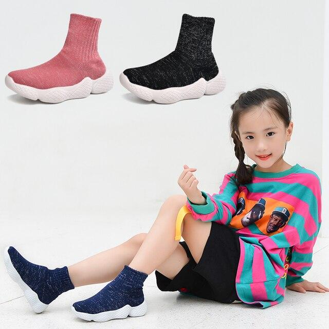 Obuwie dziecięce 2019 modne dziewczęta chłopcy trampki dziecięce siatkowe latające tkactwo Casual Sport Running ultralekkie buty dziecięce skarpety