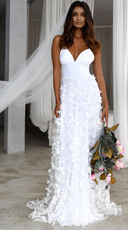 Elegant Boho Women Straps Long Wedding Dresses 2019 Wedding Gown V Neck Lace Bohemian Slim Fit Party Sexy Bride Dress