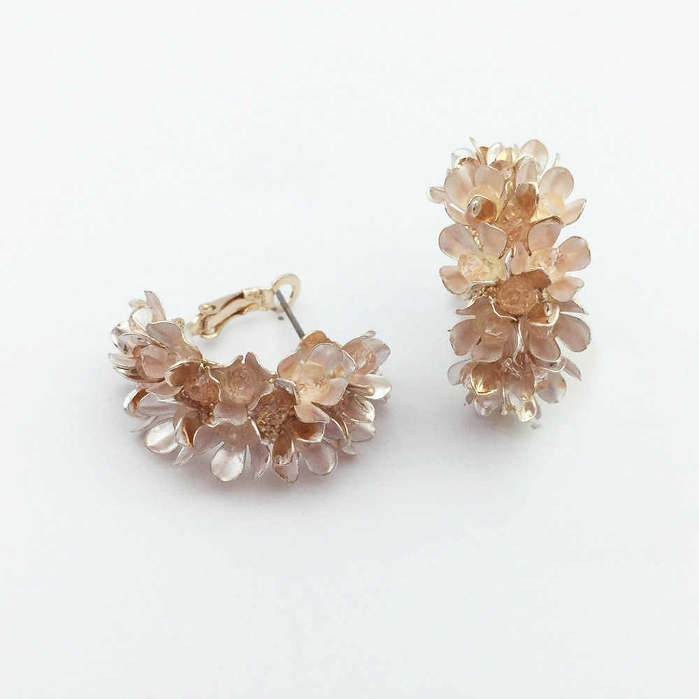 Fashion trendy new design rose gold small flower hoop earring for women and girls party gift jewelry