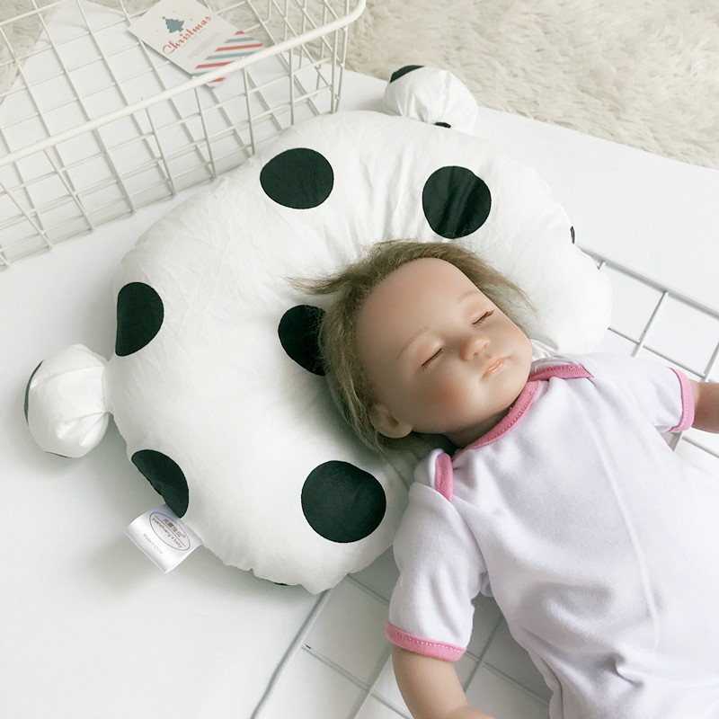 0-1 Years Old Baby Shaping Pillow Breathable Cotton Cute Bear Head Type Correction Pillow Newborn Kids Room Decoration (2)