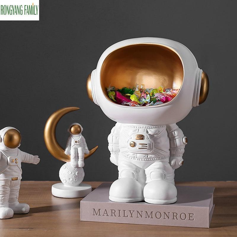 Nordic Astronaut Sculpture Desktop Hero Cosmonaut Statue Home Parlor Character Figurines Creative Decor Figure Miniatures Crafts