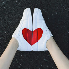 Shoes Woman Spring summer autumn White Sneakers Men fashion Love heart casual shoes women outdoor flat sneakers zapatos de mujer