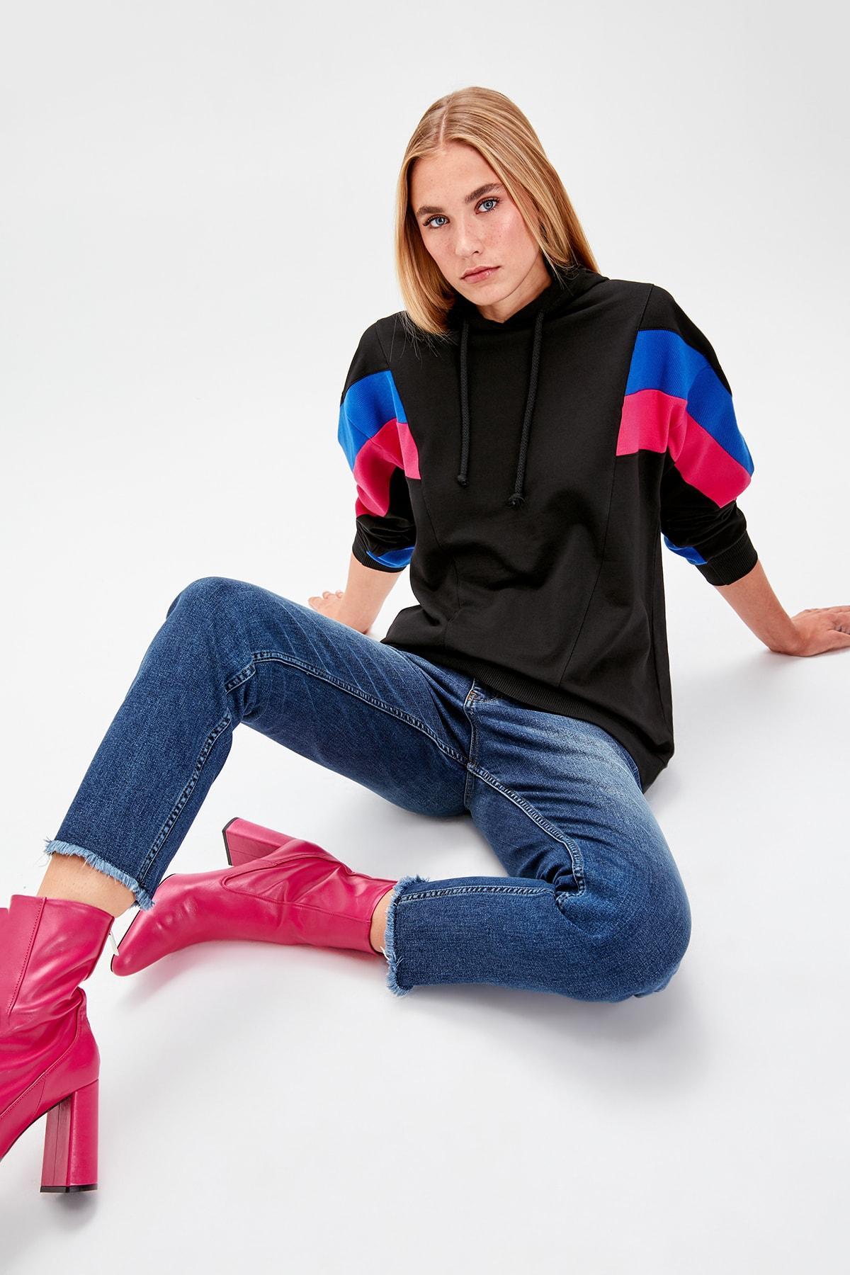Trendyol Black With Color Block Boyfriend Knitted Sweatshirt TWOAW20SW0075