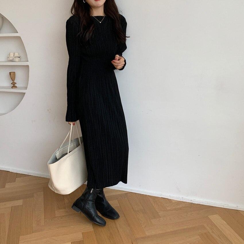 Hc9be1e83dddc477fa554e4382c7a98f0T - Autumn O-Neck Long Sleeves Pleated Black Midi Dress