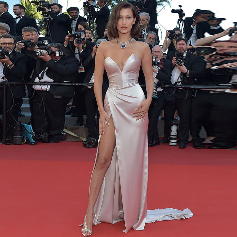 Sexy Mermaid Split Side Satin Celebrity Dress Ruched V-Neck Red Carpet Dresses Simple Cheap Long Evening Gowns robes de soirée