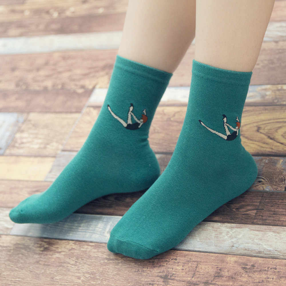 Women's colorful Autumn Fashion so socks in tube Casual Taste Cotton socks Lady Retro socks For Spring Winter Middle Tube Sox