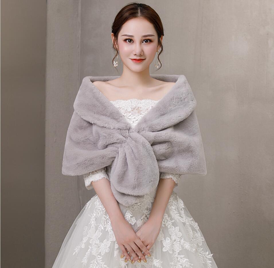 Winter Sleeveless Bridal Wraps Warm Gray Faux Fur Bridal Bolero Crop Faux Fur Wedding Jacket Free Shipping