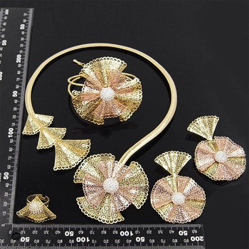 Yulaili Trendy Crystal Rhinestones Flower Shape Necklaces Pendant Earrings Bracelet Ring African Beads Women Dubai Jewelry Sets 2