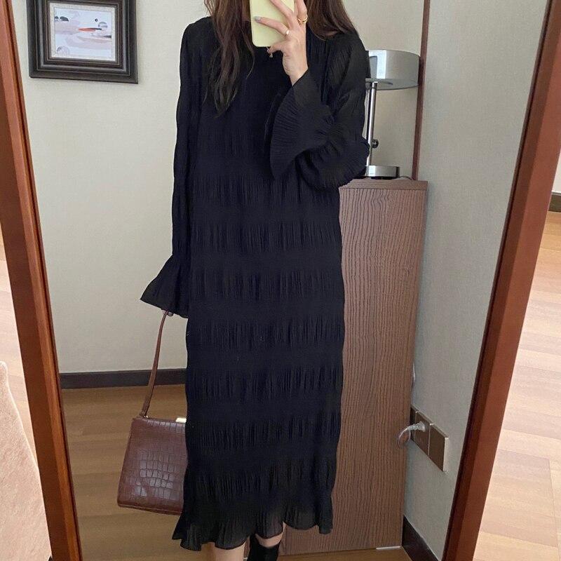 Hc9f7e74c28f141f1a41970385836cfc06 - Autumn Korean O-Neck Flare Long Sleeves Chiffon Pleated Midi Dress