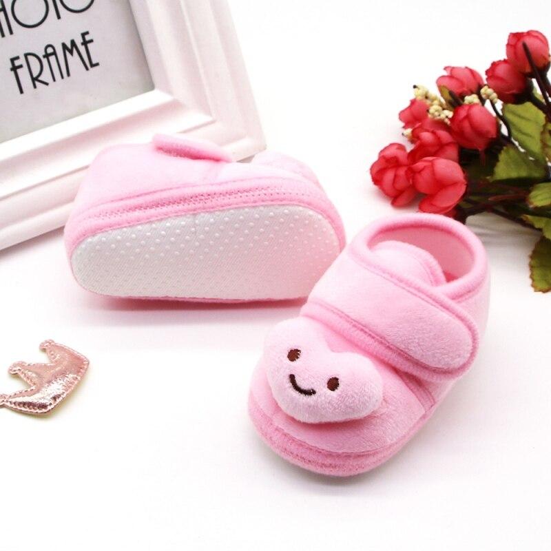 Bébé garçons filles premier Walke chaussures nouveau-né bande dessinée impression anti-dérapant coton en peluche chaussures hiver chaud berceau chaussures enfant en bas âge à semelle souple 4