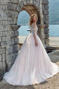 Image 2 - ורוד חתונה שמלות סקופ ארוך שרוולי תחרת אפליקציות קו פתוח חזרה לטאטא רכבת חתונה כלה שמלת Vestidos דה Noiva