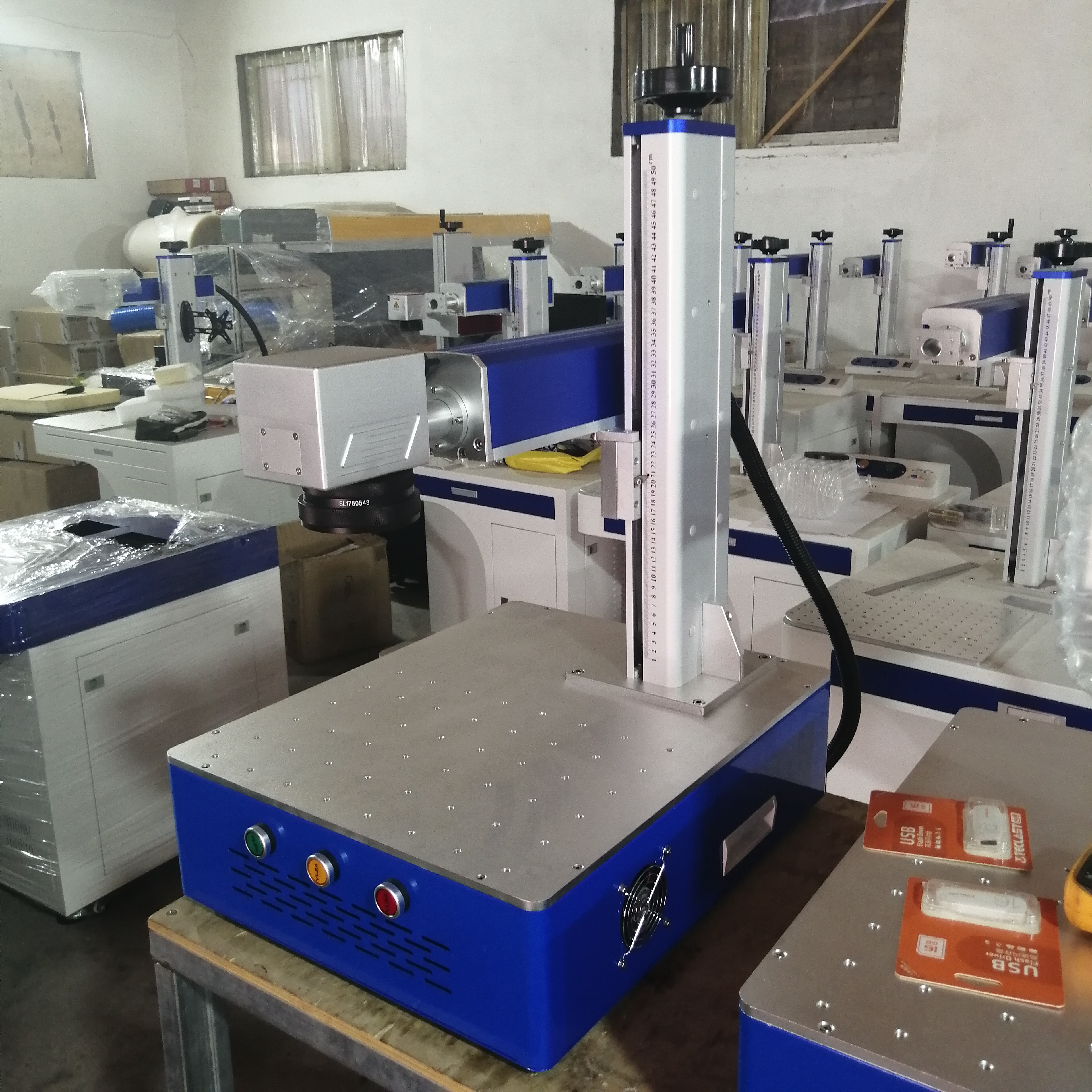 LCSPEAR 50W Fiber Laser Marking Machine With Rotary And Power Cable 3