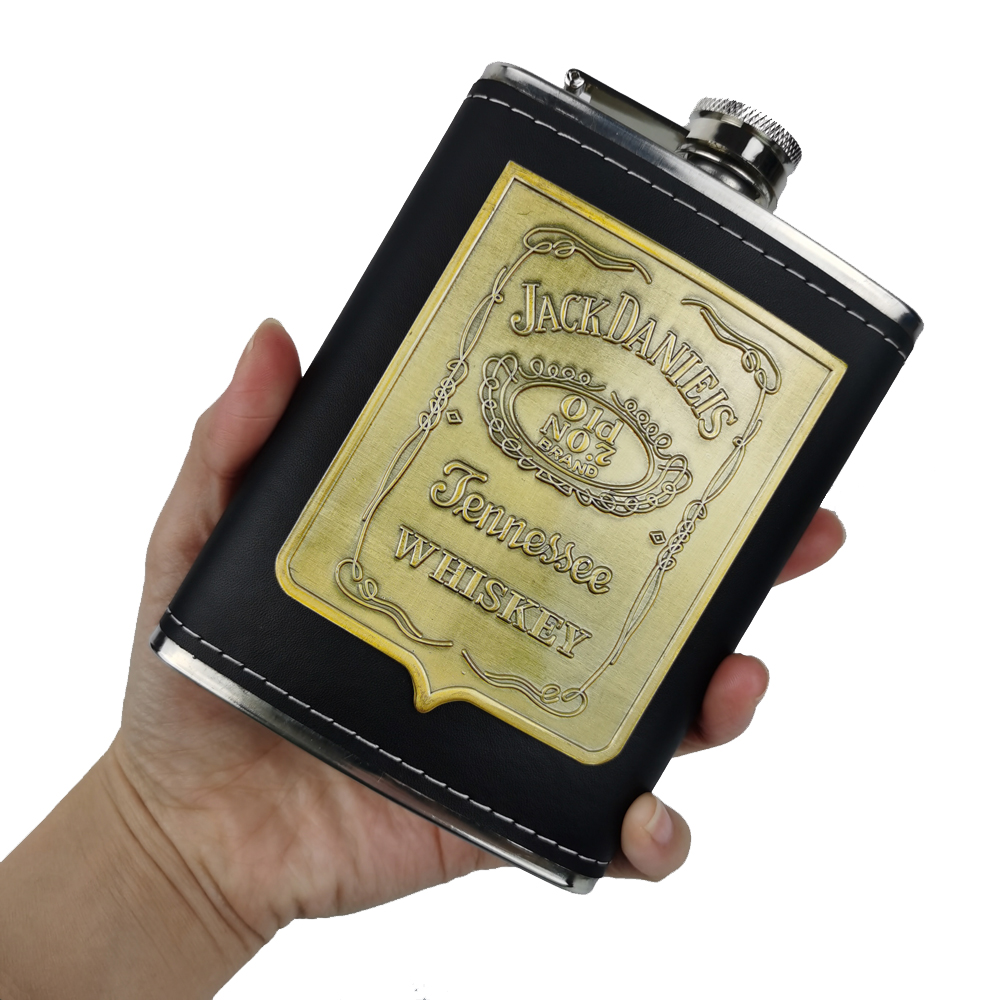 Hot sale portable stainless steel hip flask travel whiskey alcohol liquor bottle flagon Male Small Mini Bottle